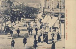 Karlovy Vary, Karlsbad; Eingang der alten Wiese / promenade, clock shop
