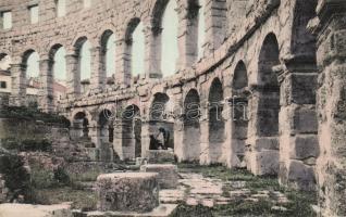 Pola, Arena interior