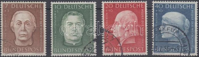 1954 Jótékonyság sor Mi 200-203