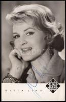 Gitta Lind (1925-1974) német énekesnő saját kezű aláírása az őt ábrázoló fotóképeslapon / autograph signature.
