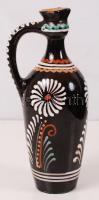 Czúgh János (1917-1993): Kiöntő, festett mázas kerámia, jelzett, kiöntő résznél kis lepattanással, m: 23 cm