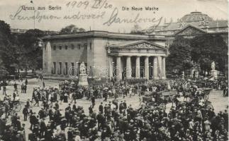 Berlin, die neue Wache / guards