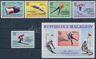 1976 Olimpiai éremgyőztesek sor felülnyomással Mi 802-806 + blokk Mi 13