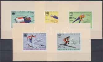 1975 Téli olimpia sor vágott blokkformában Mi 767-771