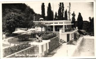 Selecta-Poenten (Batu) Dutch East Indies, holiday villa