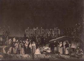 1948 Farkas Tamás: Ozorai példa, pecséttel jelzett, feliratozott vintage színházi fotó, 20x27 cm