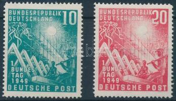 1949 A parlament megnyitása sor Mi 111-112