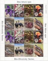 2012 Élővilág - állatok, virágok, növények 16 bélyeget tartalmazó kisív