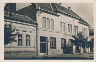 Beregszász, Bereg-Máramarosi Kereskedelmi Bank / bank
