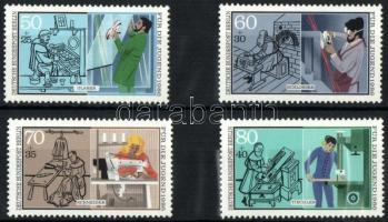 1986 Jugend: Kézműipar sor Mi 754-757
