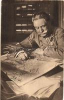 Count Franz Conrad von Hötzendorf, Hungarian 'Interesting Newspaper', Hötzendorf, az Érdekes Újság Karácsonyi ajándéka, hátoldalon pályázati hirdetés