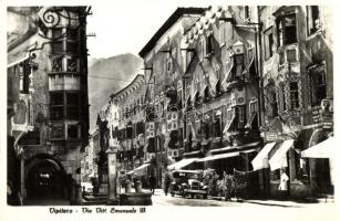 Vipiteno, Sterzing (Tirol)  Via Vittorio Emanuele III / street, automobile