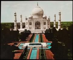cca 1940 India, Agra, Tádzs Mahal, színezett fekete-fehér fotó, 21x25 cm / cca  1940 India, Taj Mahal, coloured photo, 21x25 cm