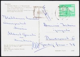 1975 Albert Gusztáv és zenekara tagjainak aláírása és üdvözlő sorai Dancsó István, az Országos Szórakoztatózenei Központ igazgatójának írt képeslapon.