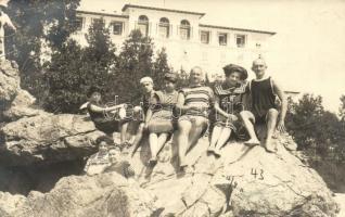 1911 Lovran, Lovrana; vacationers group photo