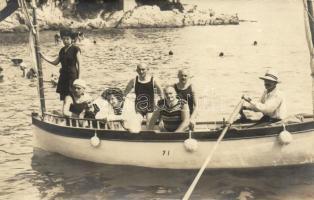 1911 Lovran, Lovrana; boating people group photo