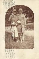 1914 WWI Hungarian soldier friends with their children photo, 1914 első világháborús katona barátok és gyermekeik, fotó