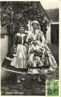 Sárközi népviselet, Hungarian folklore