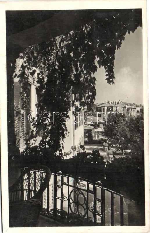 Balatonkenese, Fővárosi üdülőhely, a Székesfővárosi Alkalmazottak Segítőalapja, kilátás a kisszálló erkélyéről