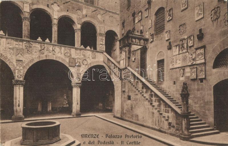 Firenze, Palazzo Pretoria o del Podesta, Il Cortile / Palace