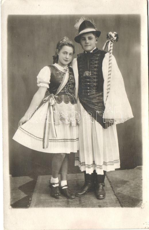 1946 Hungarian folklore from Kisújszállás, photo, 1946 Magyar folklór Kisújszállásról, Máté Juliánna fényképész photo