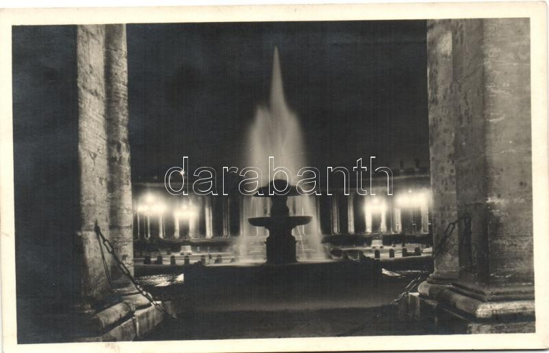 Vatican, Fontana del Maderno, Piazza S. Pietro / fountain, square, night