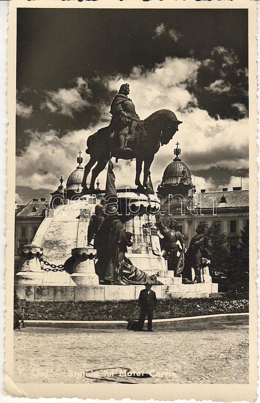 Cluj-Napoca, statue of Matthias Corvinus, Kolozsvár, Mátyás király szobor