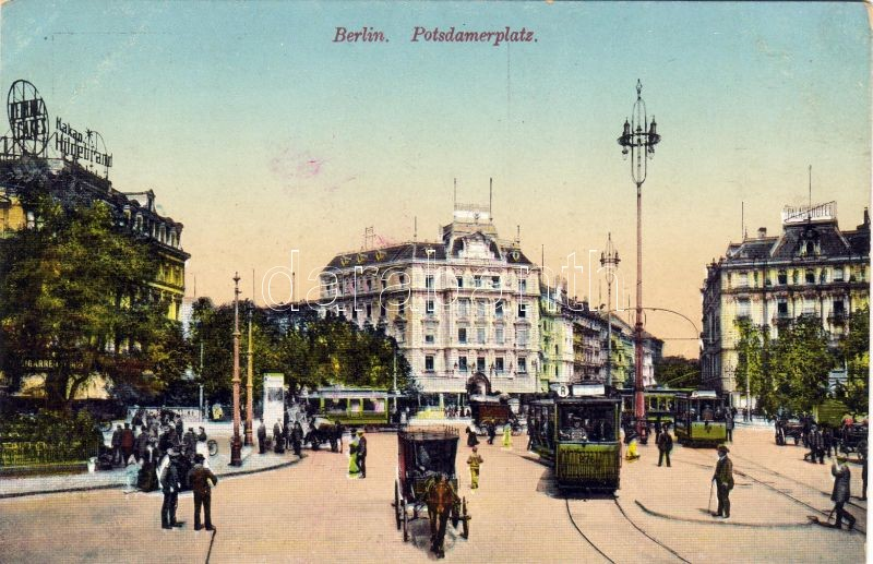 Berlin, Potsdamerplatz / square, trams