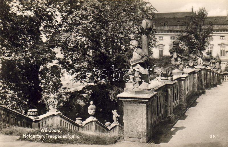 Würzburg, Hofgarten, Treppenaufgang / garden, stairway