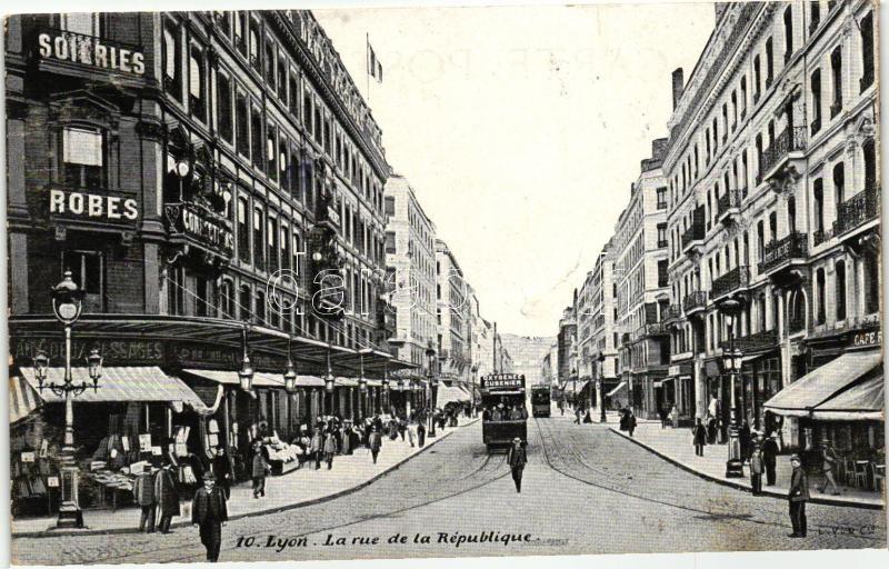 Lyon, Rue de la Republique / street, tram, shops