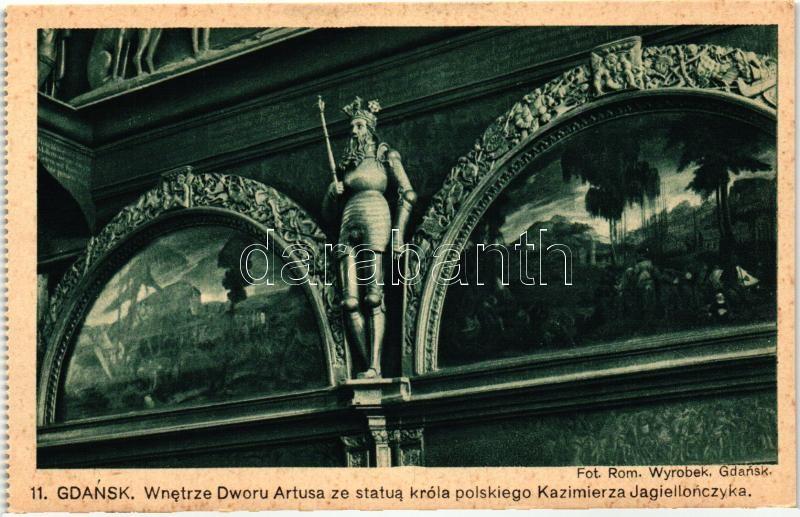 Gdansk, Wnetrze Dworu Artusa ze statua króla polskiego Kazimierza Jagiellonczyka / The interior of the Artus Court with a statue of the Polish king Casimir Jagiellonian