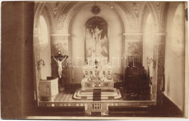 Unknown church interior, photo, Ismeretlen város templomának belseje, photo