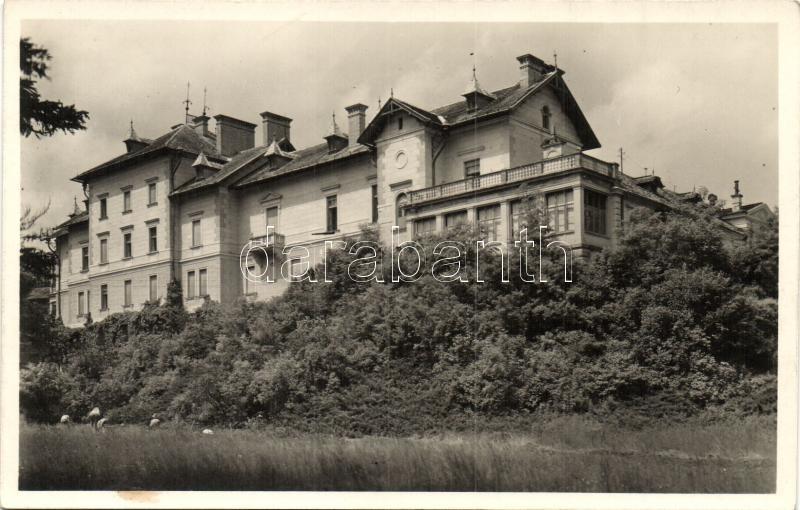 Parád-gyógyfürdő, Kastély-szálloda