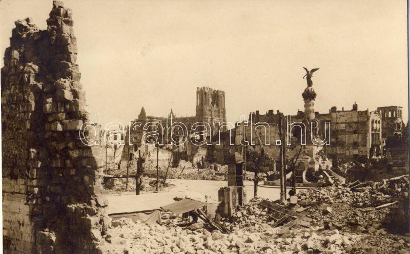 Reims, Place Drouet d'Erlon, Cathedrale / square, cathedral