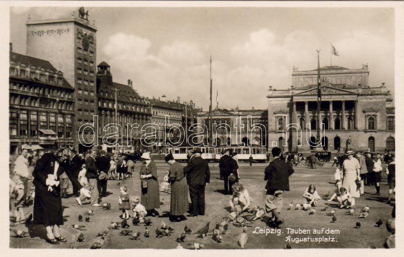 Leipzig, Augustus square, doves, tram, Leipzig, Augustus tér, galambok, villamos