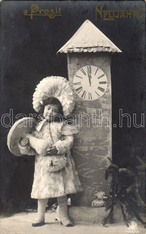 New Year, girl with mushroom, Újév, kislány gombával