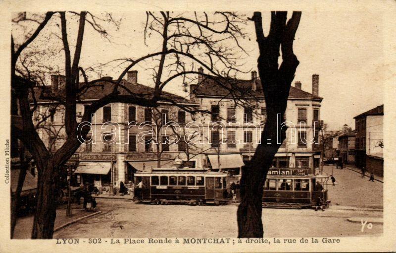Lyon, La Place Ronde a Montchat, a droite, la rue de la Gare / square, street, tram