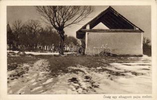 Guards, abandoned barn, Őrség egy elhagyott pajta mellett, A Képes Újság karácsonyi ajándéka olvasóinak