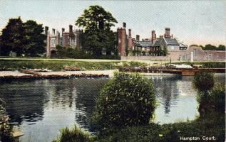 London, Hampton Court Palace, ship