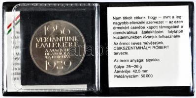 """Csikszentmihályi Róbert (1940-) 1989. """"1956-1989. Vértanúink emlékére"""" MDF emlékérem, 1989. """"1956-1989. For the Memory of Our Martyrs"""" MDF comemmorative medal sign.: Róbert Csikszentmihályi (1940-)"""