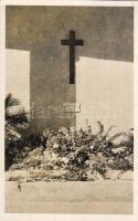 Székesfehérvár, Kaszap István sírja a Prohászka Ottokár templom árkádja alatt