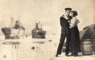 Navy life, romantic couple, warship, Haditengerész élet, romantikus pár, hadihajó