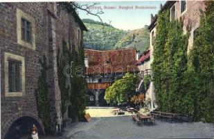 Bolzano, Bozen; Runkelstein Schlosshof / castle courtyard