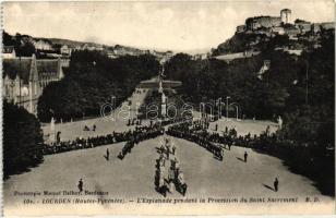 Lourdes, Procession of Saint Sacrament