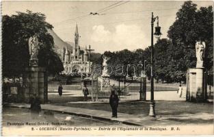 Lourdes, entry to the Basilica
