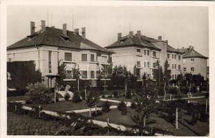 Pétfürdő, Tisztviselői lakások, Hangya kiadása