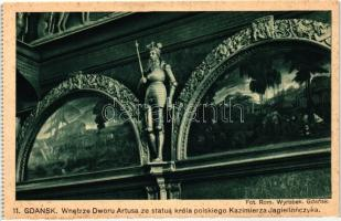 Gdansk, Wnetrze Dworu Artusa ze statua króla polskiego Kazimierza Jagiellonczyka / The interior of the Artus Court with a statue of the Polish king Casimir Jagiellonian