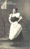 Hornyay Janka a Limonádé ezredesben; Szamossy Ferencz fényképészeti műterme