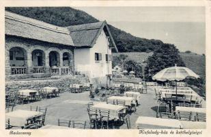 Badacsony Kisfaludy-ház, kerthelyiség